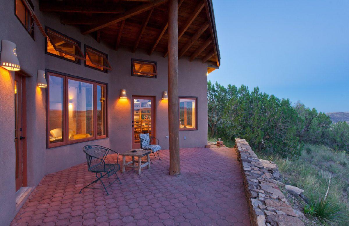 Photo of Davis Mountains Casita, house exterior, porch